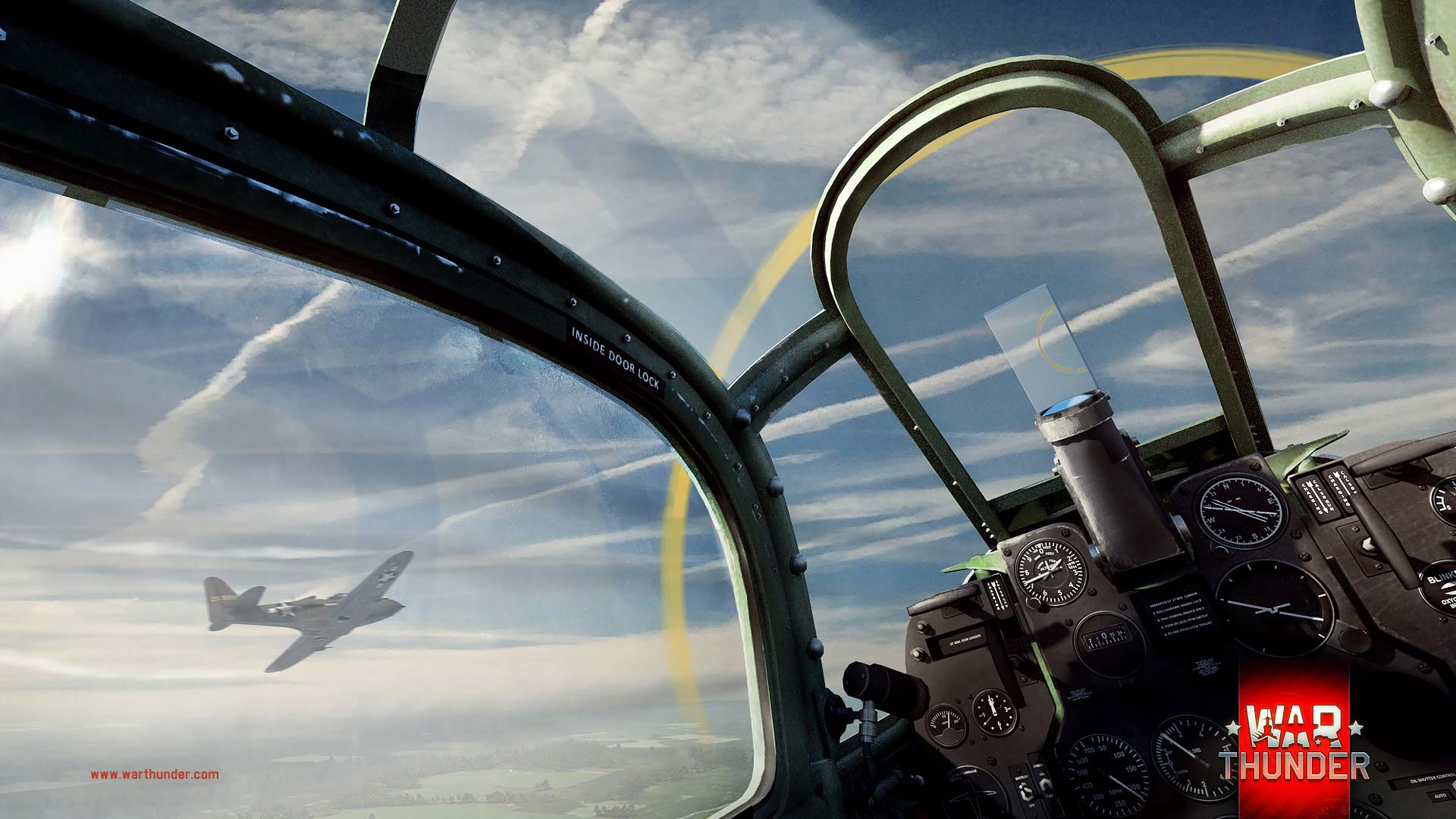 War Thunder: Planes engaging in a dogfight.